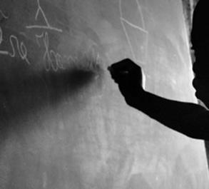 """Para Alexino, coordenador do Núcleo de Apoio à Pesquisa dos Estudos Interdisciplinares do Negro Brasileiro e do programa Diversidade em Ciência, da Rádio USP-FM, """"a libertação desses países não trouxe um ideal de cidadania, mas uma prorrogação da exploração da mão de obra pessimamente remunerada""""."""